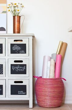 30 Fun Chalkboard Paint Ideas for Kids Room Ana White, Colored Chalkboard Paint, Creative Kids Rooms, Painted Drawers, Dresser Drawers, Shabby, Kids Decor, Boy Room, Home Deco