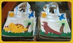 Arte em feltro Sacolinhas para festa infantil. Tema Dinossauro.