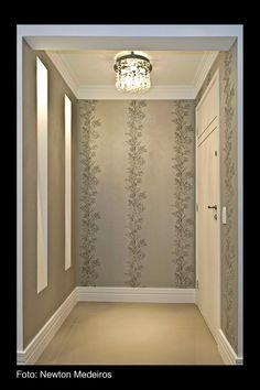 Iluminação, qual devo usar?     São tantas as opções, luminárias de teto, de mesa, abajures, arandelas, plafons, lustres, pendentes, lâm...