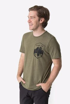 The Anderson is the perfect alternative to the more traditional pocket tee. Perfect for any occasion. Regular fit Garment dyed for soft hand feel organic cotton, recycled plastic Preshrunk Water based screen print on chest Aw 17, Heather Green, Soft Hands, Screen Printing, Organic Cotton, Alternative, Traditional, Unisex, Pocket