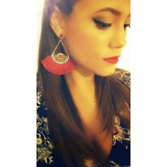 """Happy happy customer @sophieyellow  luciendo nuestros aretes de la linea """"Glam Party""""  #happycustomer #earrings #red #chic #party #accesories #byou #becomplete"""