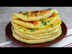 Plăcinte cu brânză la tigaie Kitchen Recipes, Cooking Recipes, Breakfast Recipes, Dessert Recipes, Serbian Recipes, Good Food, Yummy Food, Bread And Pastries, Healthy Eating Recipes