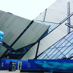 FYI blue #whales and construction #workers @ROMToronto are getting ready for #WhalesWednesday and #WorkWednesday respectively...to be followed by #ArtThursday @TopArtNews! #Twitter it @Jobsonica.  _______  #ROM #Toronto aka #Royal #Ontario #Museum (#TheCrystal:) #in #The6ix #Canada #work #learn #play #architecture #architexture #windows on #WindowWednesday #forms #shapes #lines = #arts