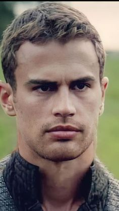 Divergent Theo James, Underworld, Most Favorite, Sexy Men, Hot Guys, Eye Candy, How To Look Better, Nyx Lip, Husband