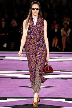 Prada Fall 2012 Ready-to-Wear Fashion Show - Othilia Simon