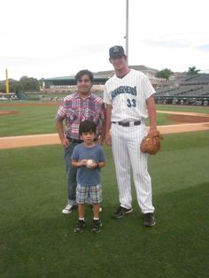 Jeffery and family with a Jupiter Hammerheads player