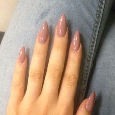 Almond Nails are goals baby! Almost all almond nails are acrylic nails or fake nails but every once and a while a girl is wild enough to shape her natural nails as almond nails. We searched for some of the best almond nails we could find. We based it on color, designs, uniqueness and just overall beauty. (adsbygoogle = window.adsbygoogle || []).push({}); You will see some of the most creative almond nail designs from across the web. We hope you enjoy almond nails as much as we do! Withou...