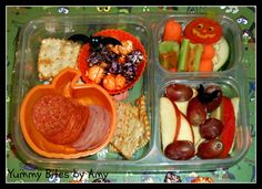 Halloween lunch! Check it out @ yummybitesbyamy.blogspot.com