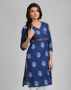 Cotton Printed Empire line Belt Mini Kurta Salwar Pattern, Kurta Patterns, Dress Patterns, Dress Indian Style, Indian Dresses, Indian Attire, Indian Wear, Suits For Women, Clothes For Women