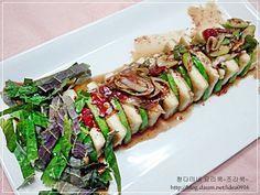 만들어놓으면 칭찬받는 반찬 .. 두부와 애호박요리 – 레시피   다음 요리 Asian Recipes, Ethnic Recipes, Vegetable Seasoning, Korean Food, Kimchi, Tofu, Asparagus, Sushi, Food And Drink