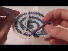 How to Transition from the Base to the Body of a Bag - Tapestry Crochet. So youve just completed the basebottom of a tapestry crochet bag. This video goes into detail about how to transition from the base to the body of a bag. This step is the Tapestry Crochet Patterns, Crochet Motif, Crochet Stitches, Knit Crochet, Crochet Crafts, Crochet Projects, Sewing Crafts, Diy Projects, Crochet Handbags