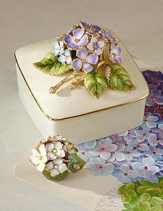Shaye Hydrangea Porcelain Box - Flora
