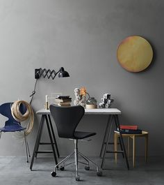As Fritz Hansen releases a new velvet version of Arne Jacobsen's famous Series 7 chair, we look back on what makes the classic design so timeless Fritz Hansen, Chair And Ottoman, Swivel Chair, Foldable Coffee Table, Home Office, Home Furniture, Furniture Design, Office Furniture, Berlin Design