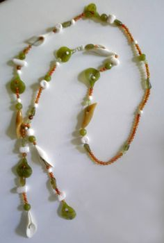 Flowers and Leaves. Long necklace with carnelian, jade, white coral and white onyx Carnelian, Dawn, Beaded Necklace, Coral, Leaves, Bracelets, Flowers, Jewelry, Tes