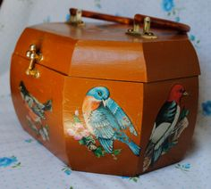 Vintage Wooden Decoupage Bird Purse...I made one of these when I was a kid...had strawberries on it!