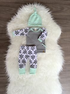 Hey, I found this really awesome Etsy listing at https://www.etsy.com/listing/219293440/baby-boy-coming-home-outfit-boys-take