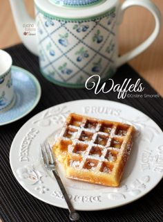 ideas for breakfast recipes waffles almond flour Breakfast Crockpot Recipes, Breakfast Smoothie Recipes, Burritos, Breakfast At Tiffany's Movie, Coconut Flour Recipes, Latte, Raw Chocolate, Pancakes And Waffles, Waffle Recipes