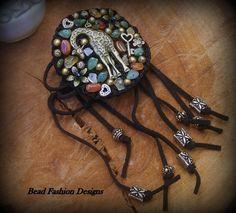 Crochet Giraffe Bracelet  https://www.etsy.com/shop/BeadFashionDesigns SOLD OUT
