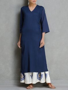 Buy vy Blue Navy V Neck Pintuck Chanderi Kurta by Ruh Apparel Tunics &… Simple Kurti Designs, Salwar Designs, Blouse Designs, Indian Attire, Indian Wear, Pakistani Outfits, Indian Outfits, Suits For Women, Clothes For Women