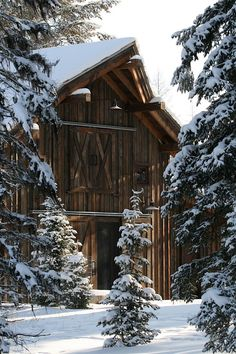 Country Living ~ Winter ~ barn and snow Country Barns, Old Barns, Country Living, Country Life, Big Country, Country Charm, Country Roads, Snow Scenes, Winter Scenes