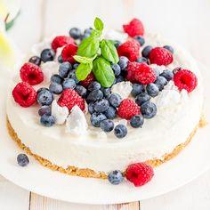Pehmeä rahkakakku shared by Ʈђἰʂ Iᵴɲ'ʈ ᙢᶓ on We Heart It Cheesecake, Desserts, Food, Lovers, Drink, Recipes, Cheesecake Cake, Tailgate Desserts, Deserts