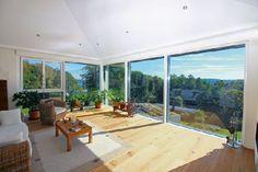 Homeplaza - Großflächige Verglasungen laden zum Träumen und Verweilen ein - Stilvoll wohnen