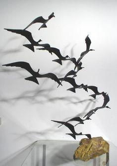 Asian Sculptures, Wall Sculptures, Bird Sculpture, Welding Art, Wire Art, Garden Art, Les Oeuvres, Amazing Art, Design Art