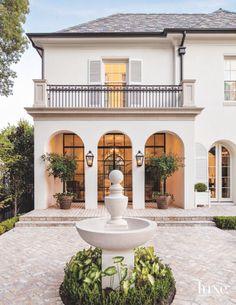 Spanish style – Mediterranean Home Decor Spanish Style Homes, Spanish House, Spanish Colonial, Architecture Renovation, Architecture Design, Landscape Architecture, Style At Home, Design Exterior, Exterior Colors