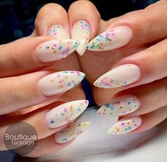 Acrylic coffin nails design for Fall and Autumn, Long coffin White Acrylic Nails, Summer Acrylic Nails, Rose Nails, Flower Nails, Nail Swag, Diy Nails, Manicure, Pointed Nails, Dream Nails