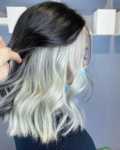 Two Color Hair, Hair Color Streaks, Hair Color Purple, Hair Dye Colors, Hair Highlights, Edgy Hair Colors, Unique Hair Color, Peekaboo Hair Colors, Blonde Streaks
