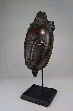 Great Baule maske. The straight long nose is of great art. coll.jan visser