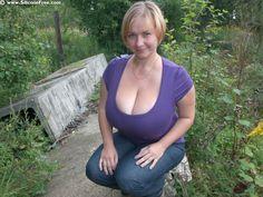 amateur vollbusig nackt