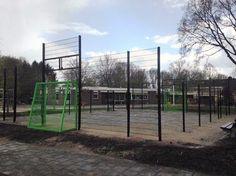 Multi sportkooi in aanbouw bij OBS de Vlonder in Wedde