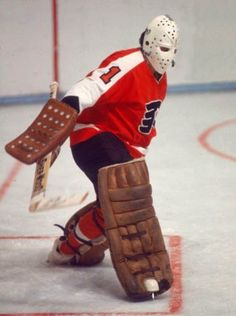 Bernie Bernie Parent, Goalie Mask, Hockey Goalie, Philadelphia Flyers, Hockey Cards, Best Player, Nhl, Old School, Hockey Stuff