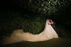 Véu de noiva longo de 8 metros. Casamento ostentação do casal milionário Djalma e Priscila. Foto: Celso Junior e Ueslei Marcelino.