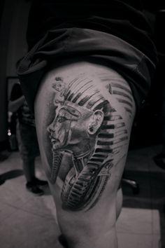 60 King Tut Tattoo Designs For Men - Egyptian Ink Ideas Calf Tattoo, Leg Tattoos, Tattoos For Guys, Cool Tattoos, Sleeve Tattoos, Anubis, King Tut Tattoo, Pharaoh Tattoo, Thor Hammer Tattoo