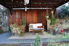 Poppytalk - The beautiful, the decayed and the handmade: Let's Get Comfortable: Outdoor Rooms