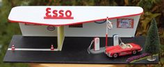 Toy Garage, Dump Trucks, Gas Station, Vintage Toys, Home Decor, Gaming, Dump Trailers, Old Fashioned Toys, Decoration Home