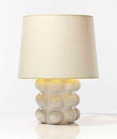 GEORGES JOUVE (1910-1964) LAMPE DE TABLE, VERS 1950 En céramique émaillée craquelée    Hauteur (hors abat-jour) : 22,5 cm. (8 7/8 in.) Portant le sigle alpha de l'artiste au revers