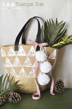 Easy Handmade Triangle Tote- easy how to to make the totes in the dollar spot uniquely you!  Love this!