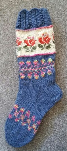 Mitten Gloves, Mittens, Laine Rowan, Knitting Socks, Homes, Pattern, Fashion, Socks, Crocheting