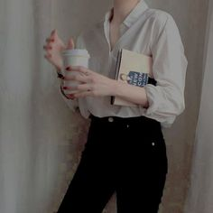 casual everyday minimalist outfit
