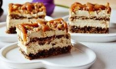 What's cooking Timea .: Cake with nuts and caramel delight Cupcake Recipes, Dessert Recipes, Caramel Delights, Salty Snacks, Sweet Cookies, Hungarian Recipes, Sweet And Salty, Cakes And More, No Bake Desserts