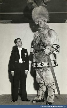 """The Tallest Man In Iceland - They Be Giants: Johann Petursson, was born in Dalvík, Iceland on 9 February 1913 and was known as """"The Viking Giant"""", and as """"Jóhann Risi"""" (Johann the Giant) and """"Jóhann. Giant People, Tall People, Old Pictures, Old Photos, Vintage Photos, Ancient Aliens, Ancient History, Human Giant, Nephilim Giants"""