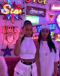Best Baddie Outfits Part 20 Bff Goals, Best Friend Goals, Best Friend Pictures, Friend Photos, Estilo Gangster, Gangster Girl, Mode Outfits, Fashion Outfits, Foto Glamour