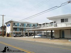 """The Sea Gull Motel, Wildwood, NJ. This motel features a zig-zag roofline, typical of Doo Wop architecture. The Wildwoods have been credited with having the largest collection of mid-century commercial (or """"Doo Wop"""") architecture in the nation, taking the form of 1950s-era resort motels, diners, restaurants, and vintage neon signs. Discover more history @ www.thehistorygirl.com"""