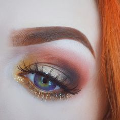 epic autumn makeup... though those brows are kind of killing me... please, just... no.