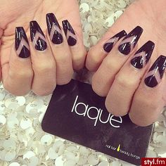 Trend Alert: Negative Space Nail Designs - fashionsy.com