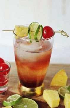 A delicious recipe for Singapore Sling, with grenadine syrup, gin, sweet and sour mix, club soda and cherry brandy #cocktailrecipe