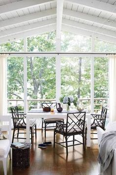 Best Modern Lake Houses Airy Dining Room